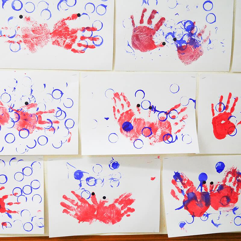 子供たちの色鮮やかな作品